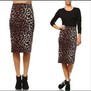 ♥️ 3 left Anthropologie Leopard print pencil skirt